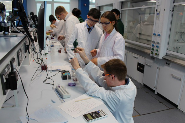 Chemical Analysis secures 2nd and 3rd place in Royal Society of Chemistry Competition